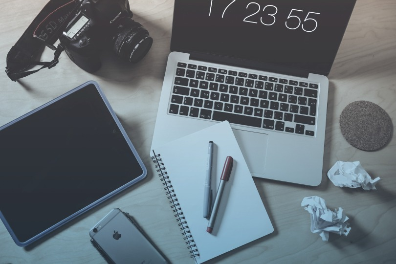 creative-designer-photographer-workspace-picjumbo-com